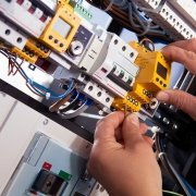 emergency-electrician-service-2